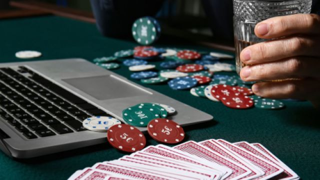 How To Play Online Poker With Friends During The Lockdown   Balls.ie